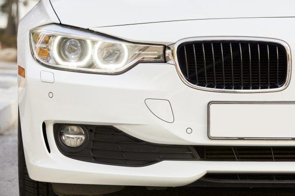 BMWのキドニーグリルとは?歴史や楽しみ方を紹介