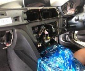 BMW F30 F31 F20系地デジチューナー取付