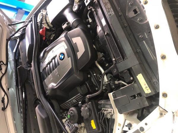 BMW E63 650 冷却水警告灯点灯 クーラント漏れのサムネイル