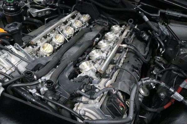 E60 M5 S85 エンジンチェックランプ点灯修理のサムネイル