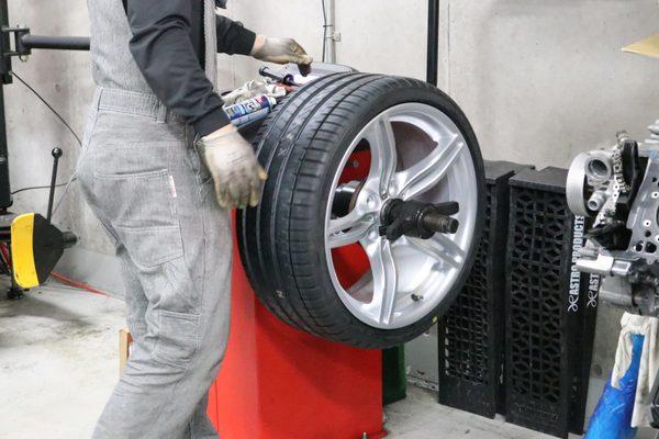 E89 Z4 35I タイヤ交換/ホイールリペアのサムネイル