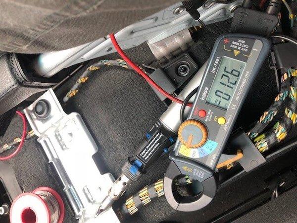 BMW E90 エアバックランプ点灯修理のサムネイル