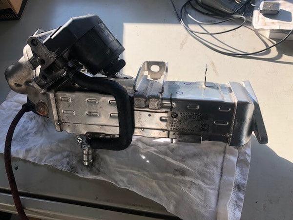 BMW F10 523D エンジン不調 EGRバルブのサムネイル