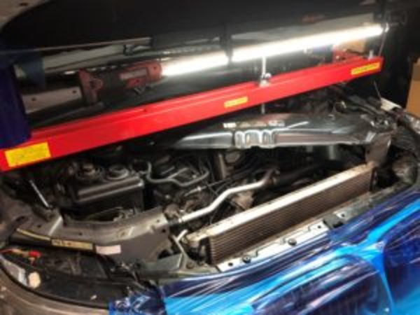 BMW E60 540i  N62 オイル漏れ 修理のサムネイル