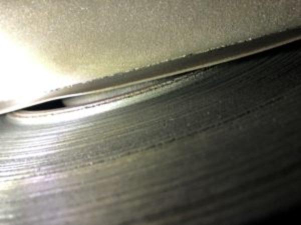 ブレーキパッドの摩材がなくなると、、BMW E53 X5のサムネイル