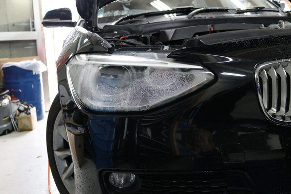 BMW F20 116 118 120ヘッドライト曇り 水漏れ修理のサムネイル
