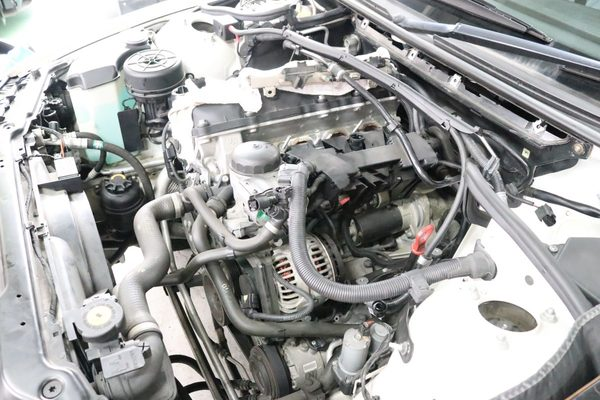 E46 318ツーリング N46 走行中エンスト 始動困難 修理のサムネイル