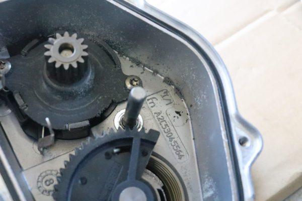 E90 M3 S65 スロットルアクチュエーター交換のサムネイル