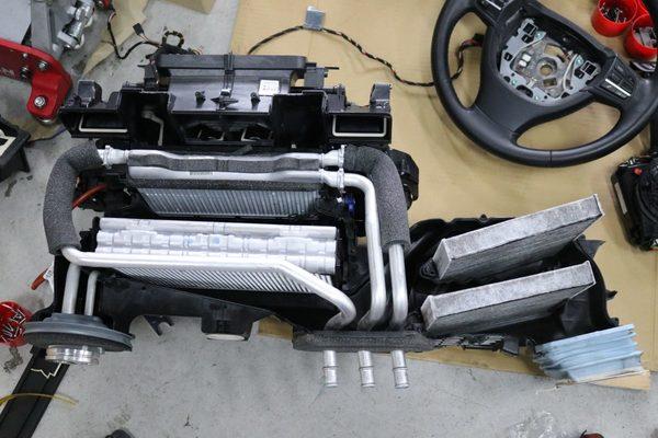 F10 523d エアコンガス漏れ修理のサムネイル