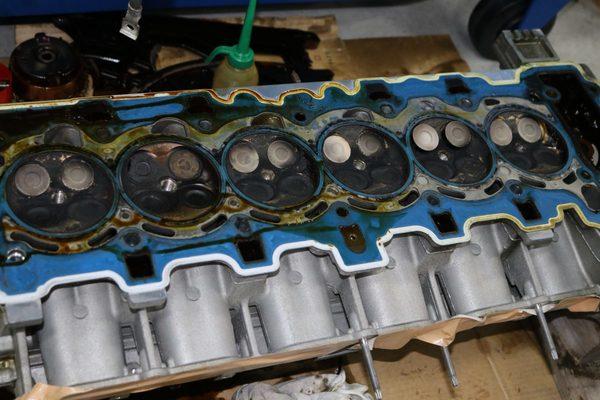 エンジンの燃焼室の洗浄について